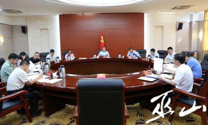 县委十四届69次常委会会议。卢先庆摄.JPG