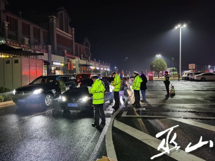 對過境車輛帶隊通行時嚴格檢查登記1.jpg