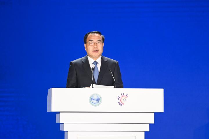 重慶市委副書記、市政府市長唐良智主持開幕式