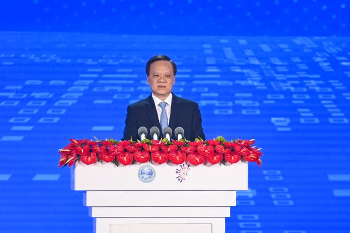 重慶市委書記陳敏爾致辭